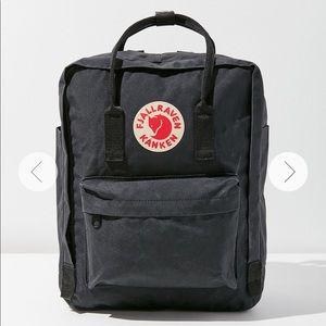 ✨FjallRaven Kanken Water Resistant Backpack